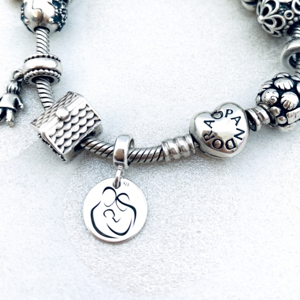 Charm argint personalizat Initiala si Simbol 3