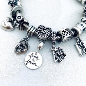 Charm argint personalizat banut Sisters Forever2