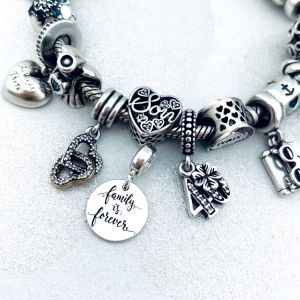 Charm argint personalizat banut Sisters are Forever [1]