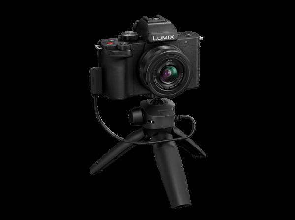 Panasonic Lumix DC-G100V cu obiectiv 12-32mm si grip wireless [2]
