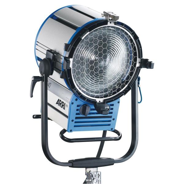 Arri Sursa de iluminare HMI Fresnel True Blue D40 [0]