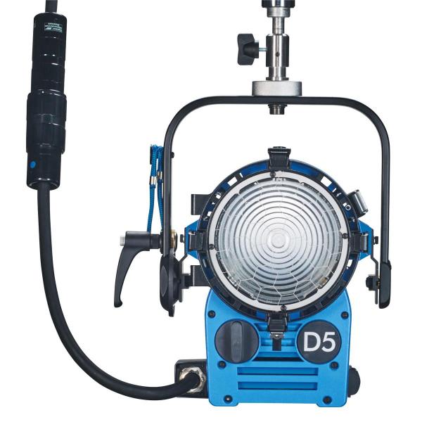 Arri Sursa de iluminare HMI Fresnel True Blue D5 [10]