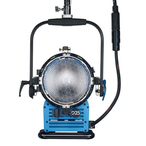 Arri Sursa de iluminare HMI Fresnel True Blue D25 [12]