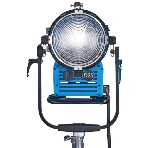 Arri Sursa de iluminare HMI Fresnel True Blue D25 [1]