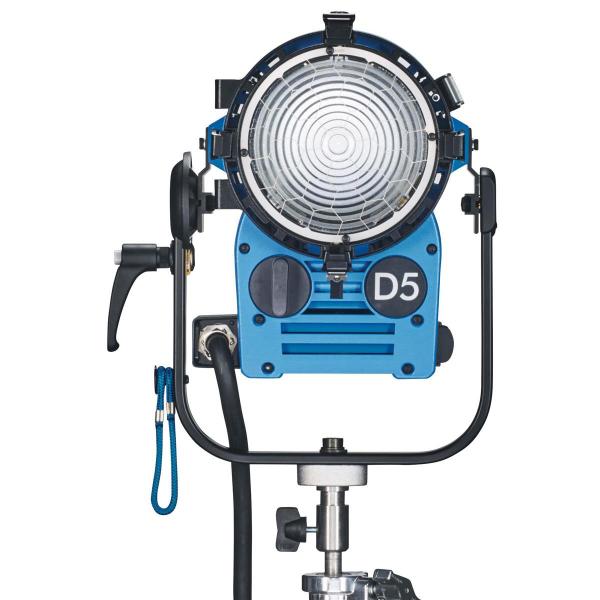 Arri Sursa de iluminare HMI Fresnel True Blue D5 [2]