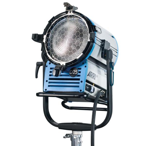 Arri Sursa de iluminare HMI Fresnel True Blue D25 [4]