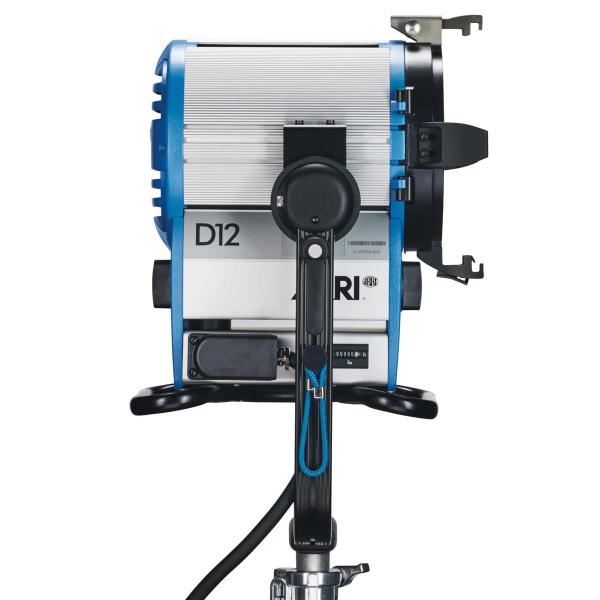 Arri Sursa de iluminare HMI Fresnel True Blue D12 [6]