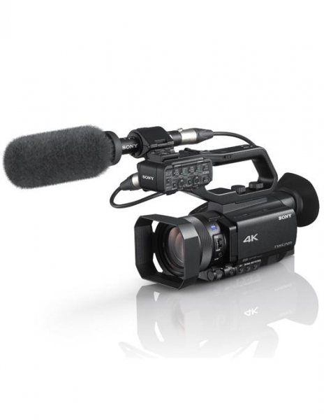 SONY HXR-NX80 camera video 4K 0