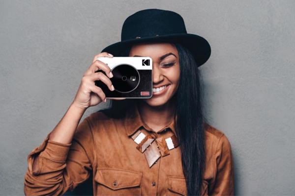 Kodak MiniShot Combo Retro camera foto instant si imprimanta 3