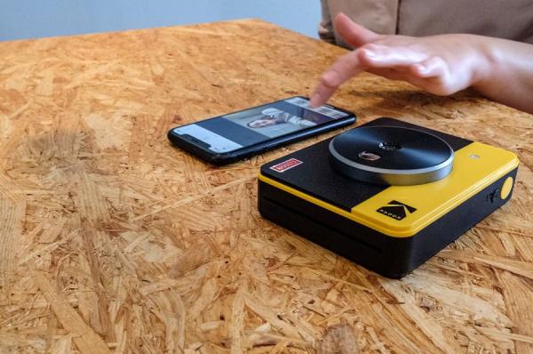 Kodak MiniShot Combo Retro camera foto instant si imprimanta 4