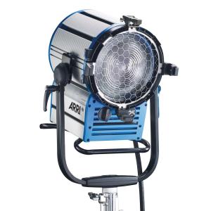 Arri Sursa de iluminare HMI Fresnel True Blue D25 [0]