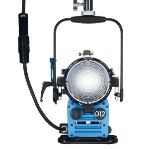 Arri Sursa de iluminare HMI Fresnel True Blue D12 [10]