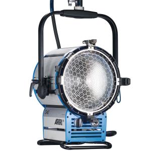 Arri Sursa de iluminare HMI Fresnel True Blue D40 [10]