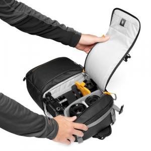 Lowepro Sling Fastpack SL 250 AW III [4]