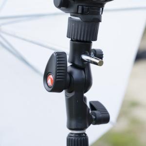 Manfrotto Smart Tilt suport umbrela cu patina pentru blitz10