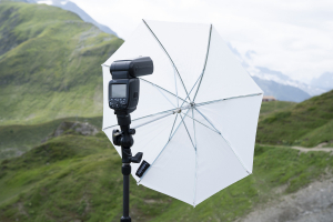 Manfrotto Smart Tilt suport umbrela cu patina pentru blitz9