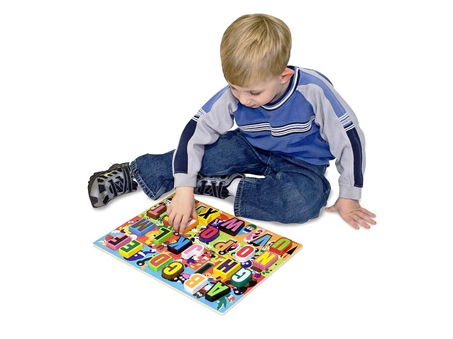 Puzzle lemn in relief Litere - Melissa and Doug [0]