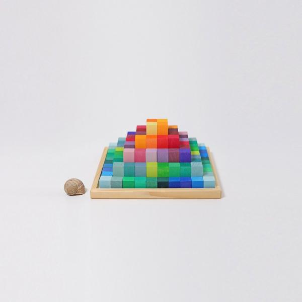 Piramida curcubeu 1
