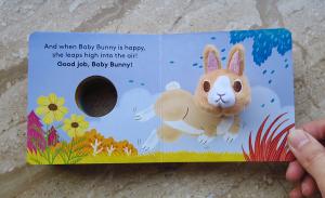 Baby Bunny Finger Puppet Book - Carte cu păpușă de deget iepuras1