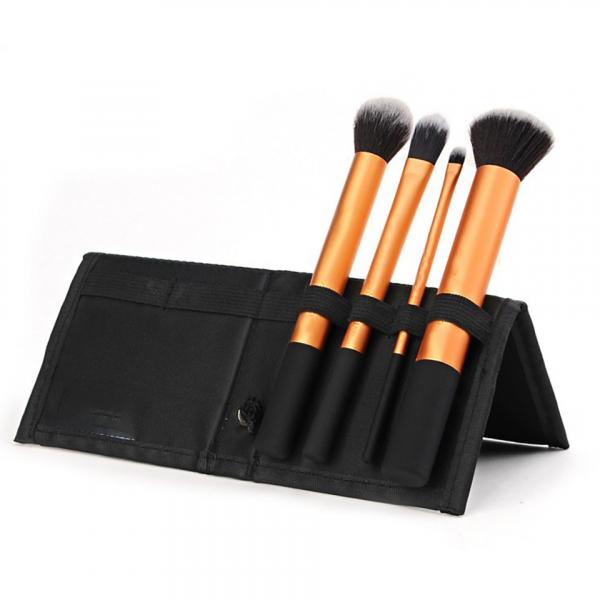 Set 4 Pensule Machiaj - Core Collection + Borseta Cadou - PlusBeauty.ro 0