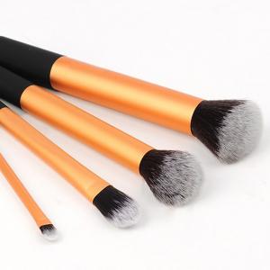 Set 4 Pensule Machiaj - Core Collection + Borseta Cadou1