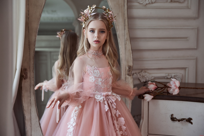 Rochie eleganta cu trena, Tull, Roz pal [0]