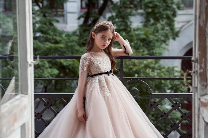 Rochie eleganta lunga cu trena, Tull, Roz pudra [1]