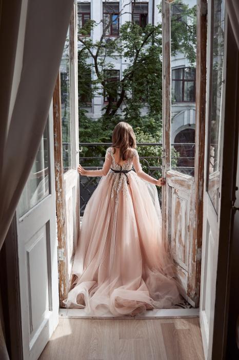 Rochie eleganta lunga cu trena, Tull, Roz pudra [3]