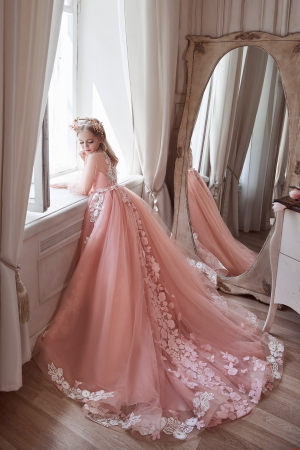 Rochie eleganta cu trena, Tull, Roz pal [3]