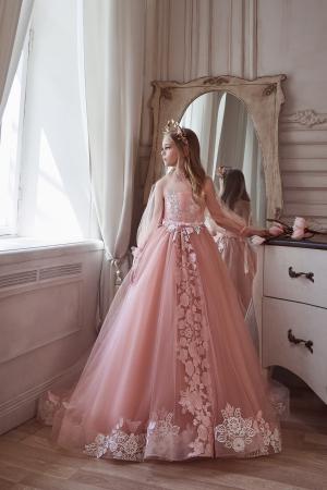 Rochie eleganta cu trena, Tull, Roz pal [5]