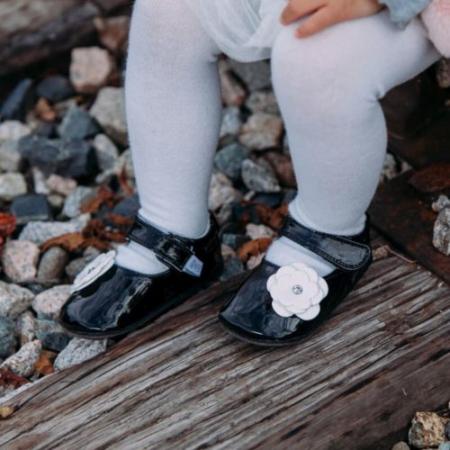 Pantofi eleganti, piele lacuita, fete, Negru/Floare alba, Skyler2