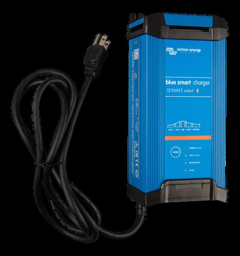 Blue Smart IP22 Charger 12/20(1) 230V CEE 7/7-big