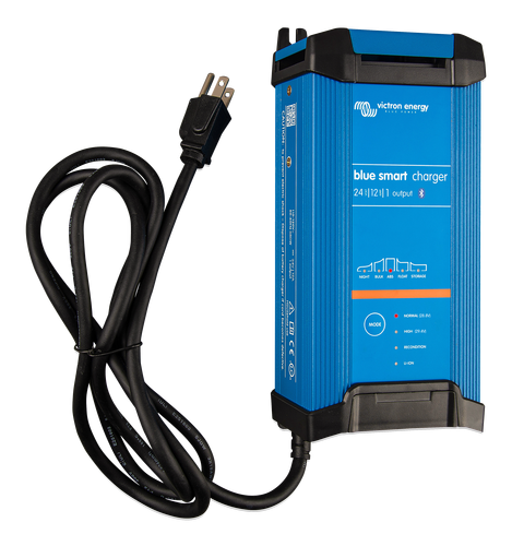 Blue Smart IP22 Charger 24/16(1) 230V CEE 7/7-big