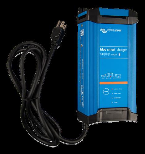 Blue Smart IP22 Charger 24/16(1) 230V UK-big