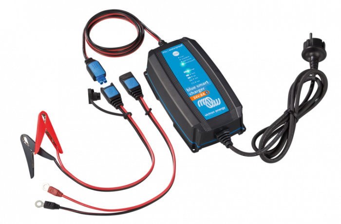 Blue Smart IP65 Charger 24/13(1) 230V CEE 7/16-big