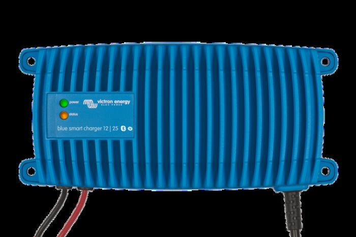 Blue Smart IP67 Charger 12/13(1) 230V CEE 7/7-big