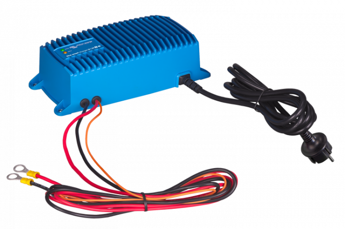 Blue Smart IP67 Charger 12/25(1) 230V CEE 7/7-big