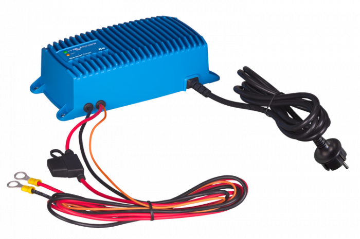 Blue Smart IP67 Charger 24/12(1+si) 230V CEE 7/7-big