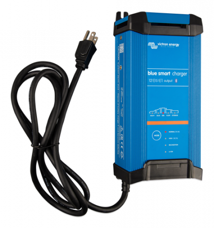 Blue Smart IP22 Charger 12/15(1) 230V CEE 7/72