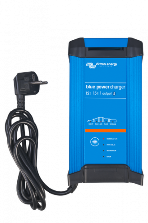 Blue Smart IP22 Charger 12/15(1) 230V CEE 7/70