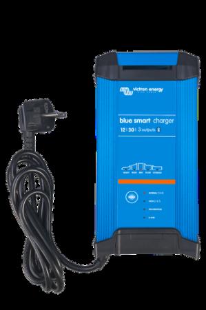 Blue Smart IP22 Charger 12/30(3) 230V CEE 7/71
