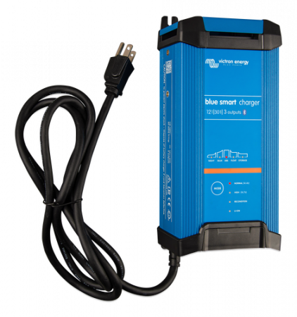 Blue Smart IP22 Charger 12/30(3) 230V CEE 7/70