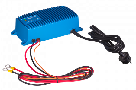 Blue Smart IP67 Charger 24/12(1) 230V CEE 7/70