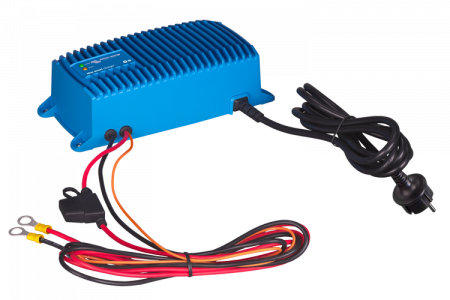 Blue Smart IP67 Charger 24/8(1) 230V CEE 7/72