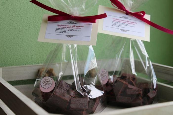 Ciocolata de casa cu chili si piper roz 200g - Anna Boutique 0