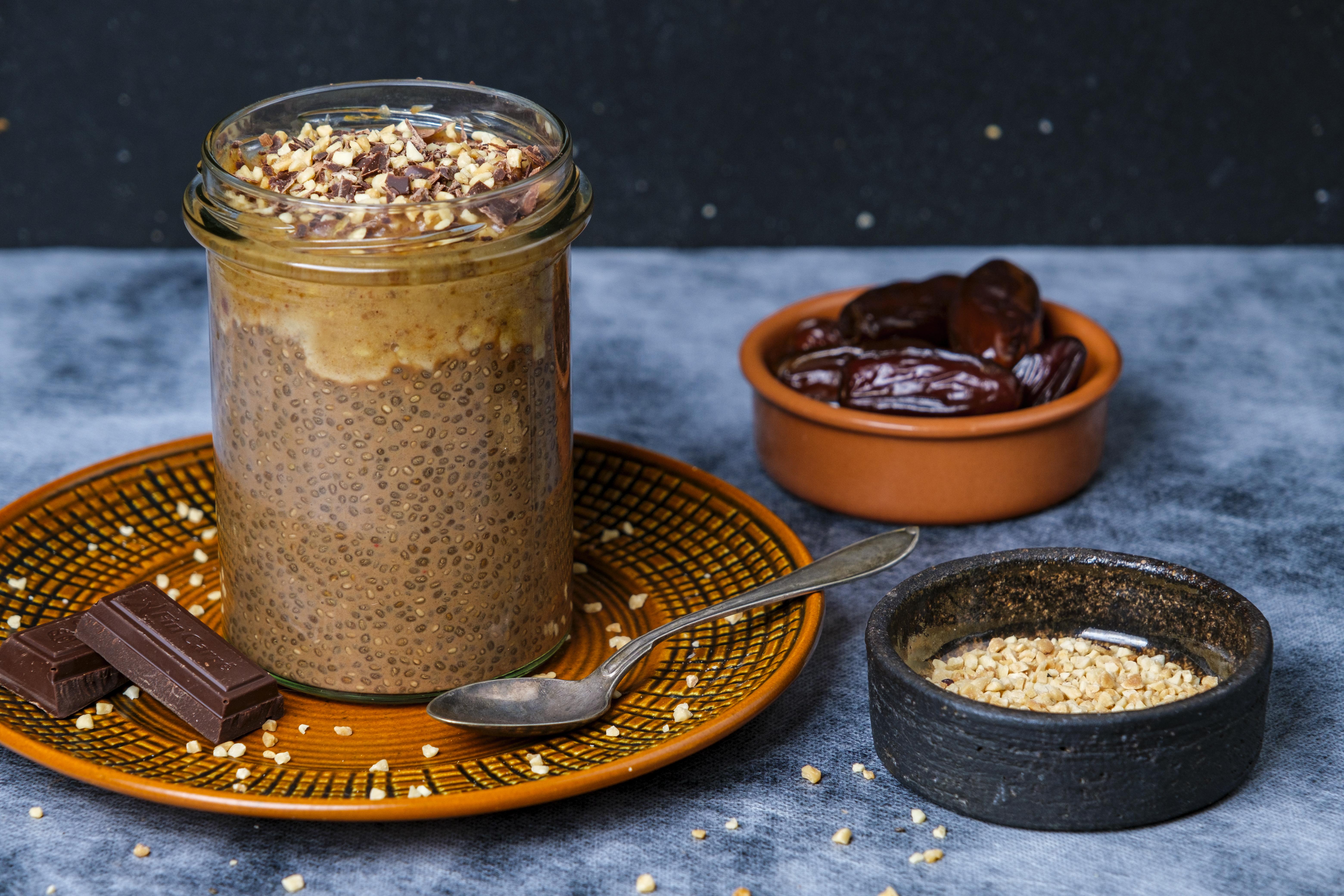 BUDINCĂ SNICKERS cu semințe de chia