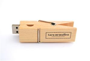 Stick USB - clemă din lemn 3