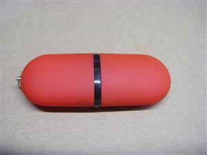 Stick USB personalizat. O capsulă de informație și culoare 3
