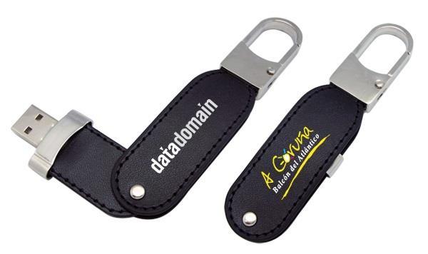 Stick USB Swivel din piele, cu agățătoare metalică 0