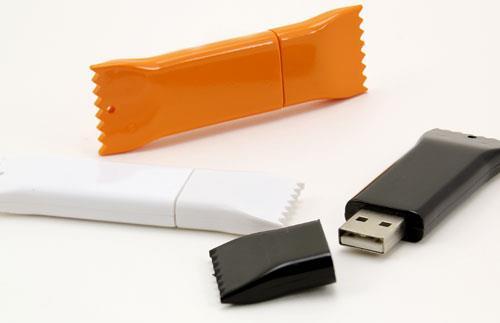 Tentații dulci? Nu, Stick-uri USB personalizate și amuzante! 0